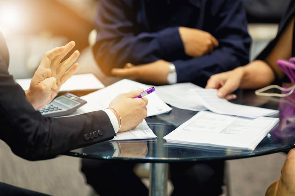 Doradca kredytowy a ekspert kredytowy - różnice